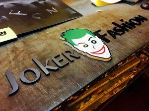 שילוט אותיות בולטות Joker