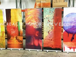 Honor שילוט רול אפ